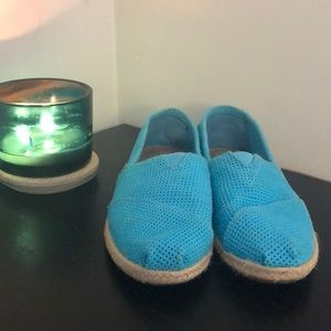Women's 7.5 Toms lightly used